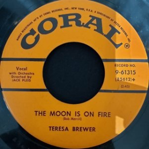 COMPACTO - Teresa Brewer – Let Me Go, Lover! / The Moon Is On Fire (Importado US)