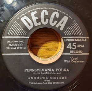 COMPACTO - The Andrews Sisters - Beer Barrel Polka (Roll Out The Barrel) / Pennsylvania Polka