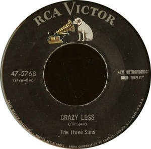 COMPACTO - The Three Suns - Crazy Legs / Moonlight And Roses