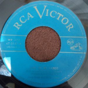 """COMPACTO - Lary Green - Time On My Hand / More Than You Know (Importado US) (7"""")"""