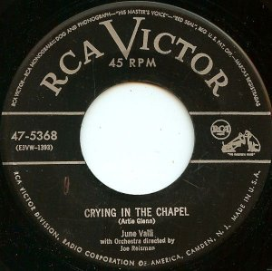 COMPACTO - June Valli - Crying In The Chapel/ Love Every Moment You Live(EUA)