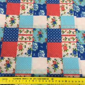 Tecido Tricoline Chita Patchwork Floral Tons de Azul, Vermelho e Branco - Gramado 85