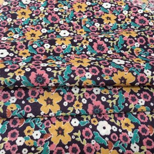Tecido Tricoline Chita Patchwork Mini Floral Mostarda e Lilas Fundo Marinho Viivatex - Gramado 58