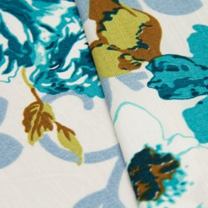 Tecido Floral tons de Azul e Verde com fundo creme - Turquesa 31