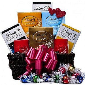 Cesta Com Barras Chocolate Suíço Lindt  e Mini Trufas