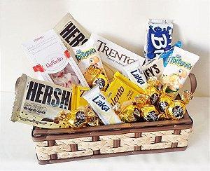 Cesta de Chocolate Especial, Somente com Chocolates Brancos