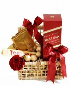 Cesta de Chocolate para Homem com Whisky Red Label, Ferrero Rocher e Toblerone