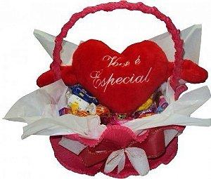 Cesta De Chocolate Presente Dia dos Namorados Com Coração De Pelúcia