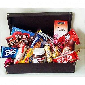 Cesta De Páscoa, Com Diversos Chocolates, Nutella e Kit Kat