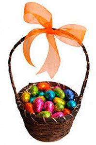 Cesta Infantil de Páscoa com 25 Mini Ovinhos de Chocolate ao Leite