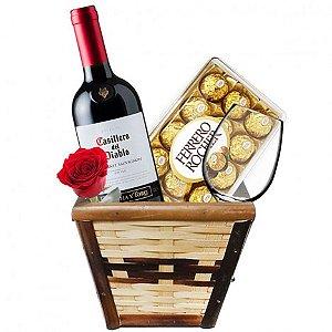 Cesta para Homens com Chocolate Ferrero Rocher; Vinho Importado e Taça