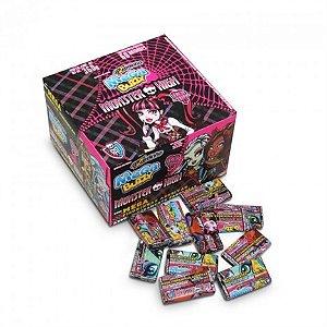 Chiclete com Figurinhas Monster High Sabor Cereja Azedinha 60 Unidades - Catelândia