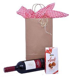 Kit Vinho e Bombons de Avelã na Embalagem para Presente