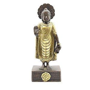 Estatueta de Buda em Pé