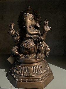 Ganesh em bronze escuro