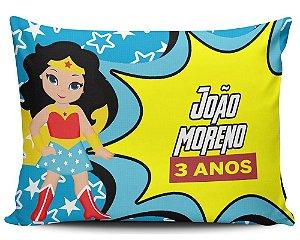 Almofada 20x32cm Personalizada Mulher Maravilha - Enchimento Anti Alérgico