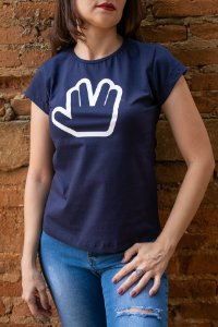 Camiseta Feminina Star Trek - Saudação Vulcana