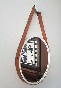 Espelho Adnet Decorativo Com Alça Em Couro 40 Cm - Brendalux Cor: BRANCO / CARAMELO