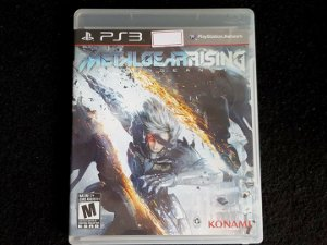 Metal Gear Rising - Seminovo