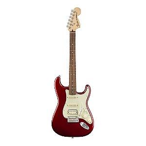 Guitarra Fender Deluxe Strat HSS Pau Ferro Candy Apple Red