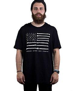 Camiseta Famous Bones Preta
