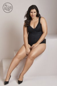 Body de Renda com Bojo e Arco Plus Size Mondress