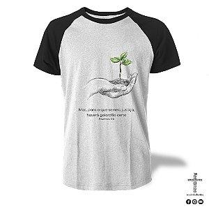 Camiseta Raglan - Provérbios 11:18