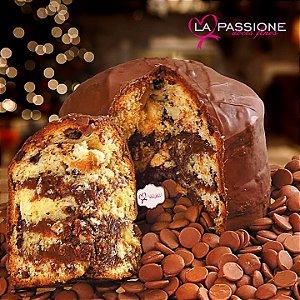 Chocotone com recheio de Brigadeiro Cremoso coberto com Chocolate