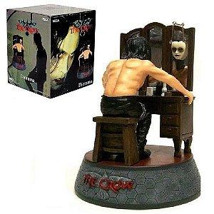 The Crow Figure Transforming Mirror Diorama