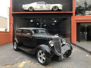 1933 Ford Tudor Hot Portas Suicidas