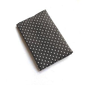 Capa protetora para livro_Estampa bolinhas preto e branco