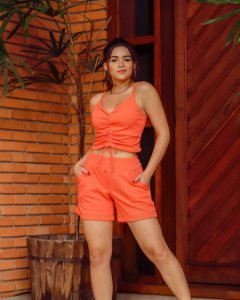 Conjunto de short e blusa com alcinha em linho com elastano - LARANJA
