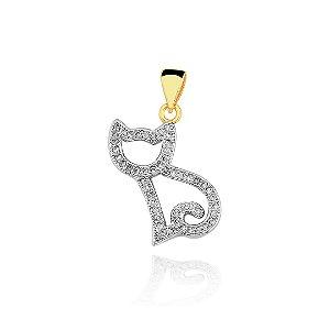 Pingente gato cravejado de zircônia com contorno em ródio branco folheado em ouro 18k