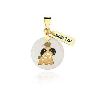 Pingente madrepérola colorido raça Shih Tzu folheado em ouro 18k
