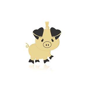 Pingente Porco com detalhes em resina folheado em ouro 18k