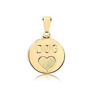 Pingente redondo com coração e palavra Dog (Cachorro) folheado em ouro 18k