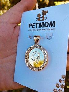 Pingente personalizado mandala cravejada de zircônia com Pet folheado a ouro 18K
