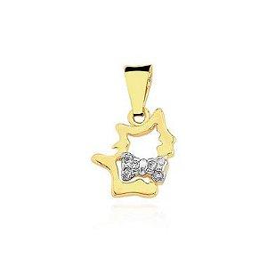 Pingente Gato com laço cravejado folheado em ouro 18k