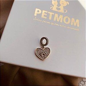 Berloque de coração com pata vazada e zircônias em prata 925