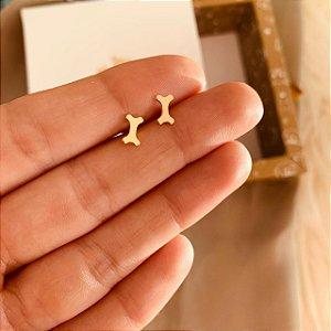 Brinco de ossinho de Cachorro folheado em ouro 18K