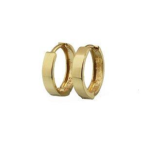Brinco em ouro amarelo 18k argola pequena lisa redonda fio quadrado c/ 2mm de largura fecho trava sem pedra PC 4.25