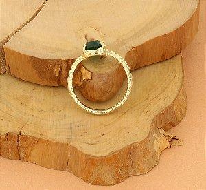 Anel Solitário com Pedra Verde Esmeralda