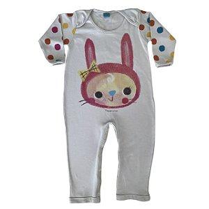 Pijama macacão em malha stretch natural - estampa coelho - manga longa