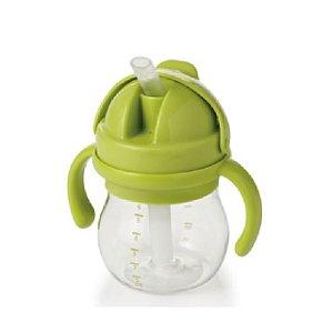 Copo Infantil de Treinamento com Canudo de Silicone, Alça e Tampa Articulada - Verde - 150 ml -  Oxo Tot