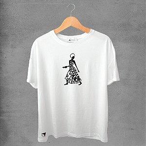Camiseta masculina e feminina basic branca 100% Algodão Coleção Apaoká Nº 45