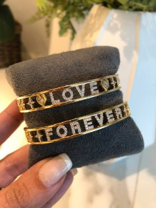 New! Bracelete LOVE  Cravejado Ouro 18k