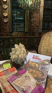 KIT FAROFANDO NA MESA DA BAIANA: 1 Livro na Mesa da Baiana, 1 farofa sertaneja, 1 farofa verdinha e 1 farofa baianinha