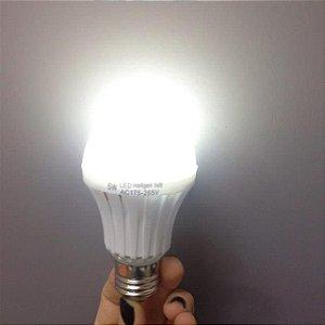 Lâmpada Led de Emergência Inteligente 7W Bivolt