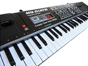 Teclado Infantil Musical 61 Teclas Display Digital com Microfone e Fonte - MQ012fm