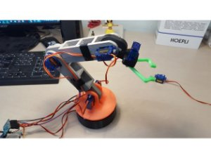 Braço robótico MyRoboticArm v.1 impresso em 3D